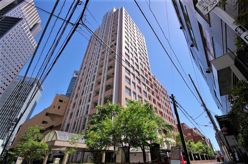 ファミール新宿グランスィートタワー外観